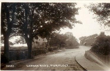 London Road Purfleet, Royal & High Street