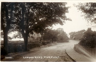 London Road Purfleet, Royal & High Street